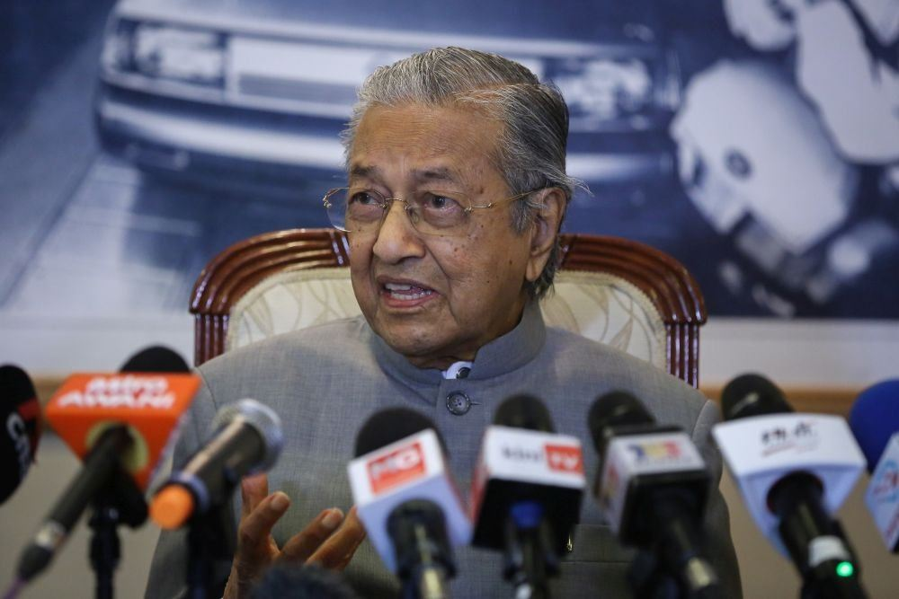 Dr Mahathir says Malaysia��s political uncertainty won��t end with Anwar as PM