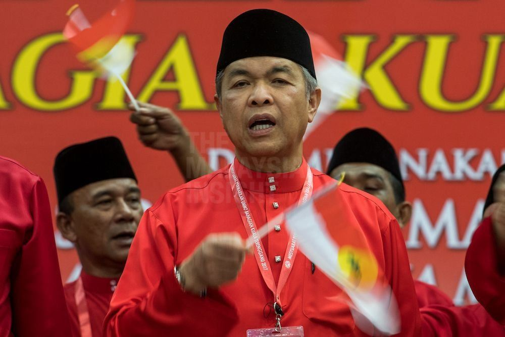 Pressure in and outside Umno for Zahid to step down, say observers