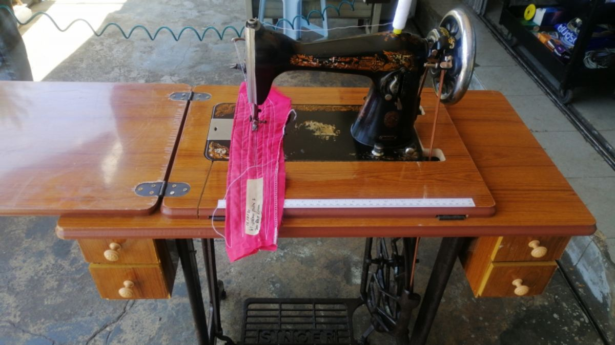 JOB REPAIR SEVIS AND CHANGE NEW TABLE FOR ANTIQUE SINGER SEWING MACHINE