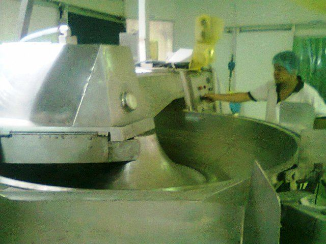 BIG MIXER MACHINE FOR FOOD INDUSTRY (PICTURE 1 )