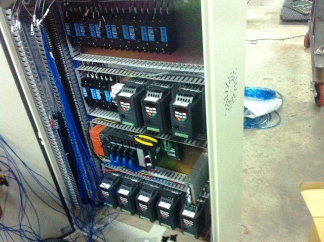 CONTROL PANEL WITH USING MOGEN MORRIS VSD AND MITSUBISHI A SERIES PLC PROJECT IN SABAH