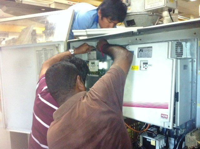 KEB F4 INVERTER REPAIR AND INSTALLATION FOR DEMAG MACHINE IN JOHOR BAHRU MALAYSIA (PIC1 )