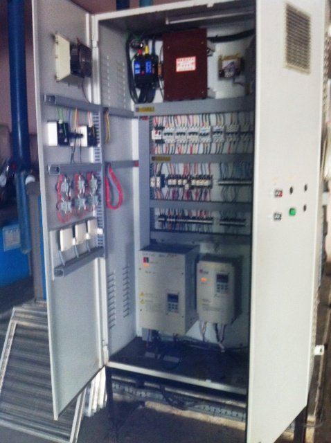 CONTROL PANEL CHILLER WATER PUMP WITH USING HOLIP HLP-A ENERGY SAVING INVERTER IN MALAYSIA INDONESIA