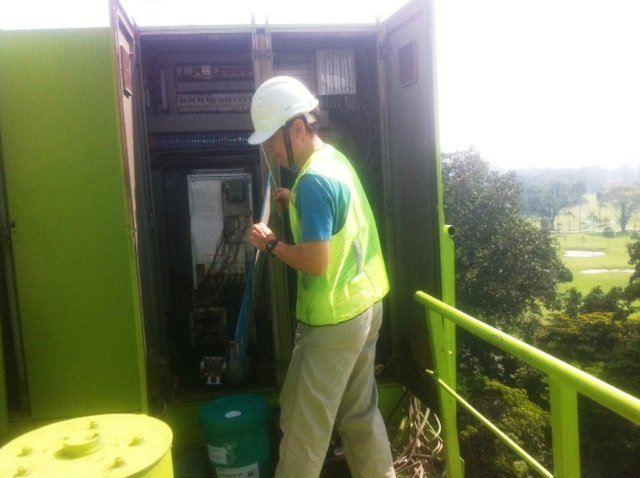 CRANE INVERTER TELEMECANIQUE SCHNEIDER ELECTRIC ALTIVAR 71 ALTIVAR 61 TROUBLESHOOTING KUALA LUMPUR