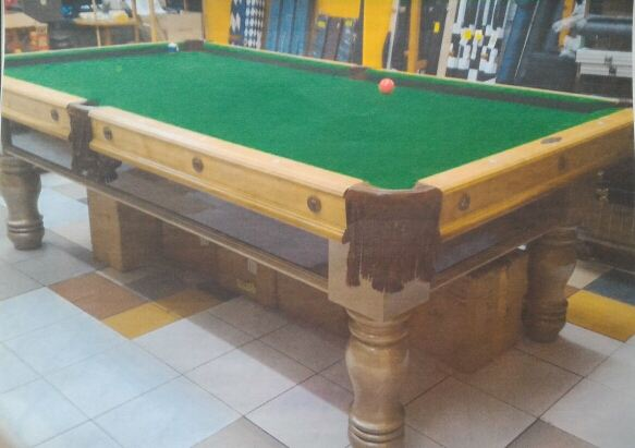 """4 ft x 8 ft """" Brunswick """"  American pool table (recon )"""