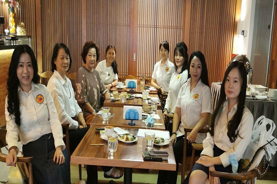 PUCM女企业家分会拜访世界女总裁机构 拟推进女性创业进程