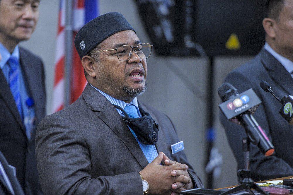DAP, Umno leaders question A-G on Khairuddin case