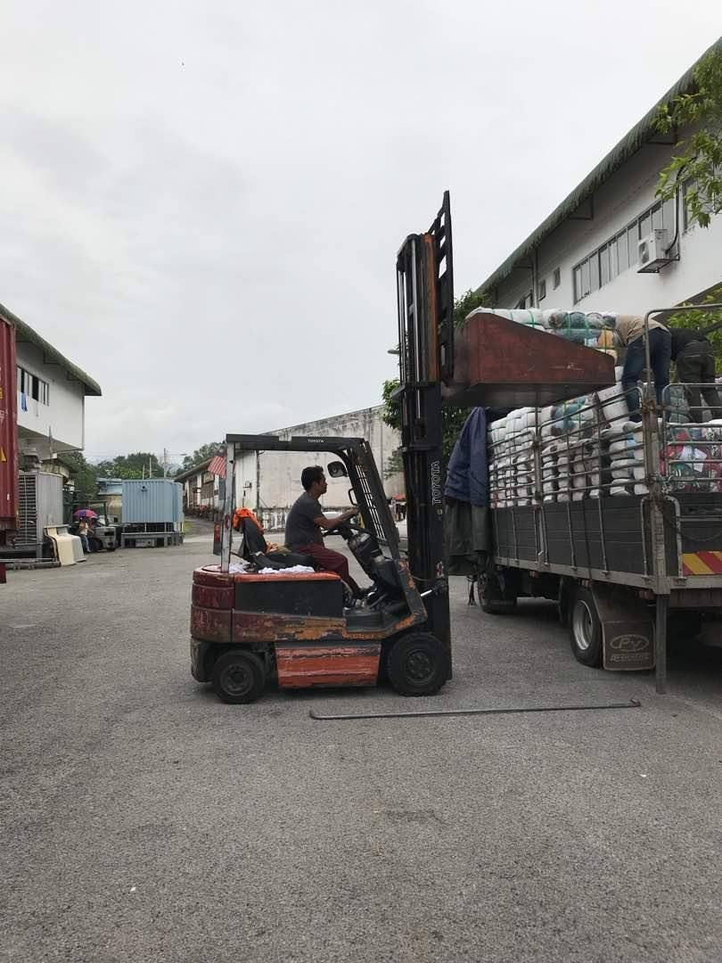 Loading to customer lorry on 29.11.2017