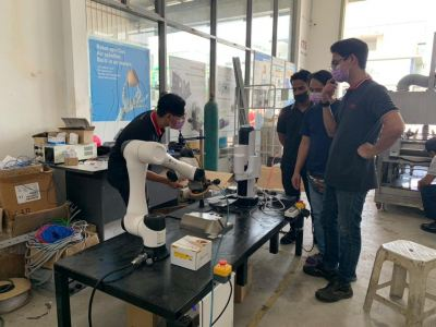 Research & Development activities with DOBOT CR5
