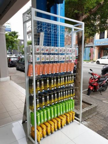 20997 - 210cmH x 120cmL x 30D Wall Net Display Stand With Roller