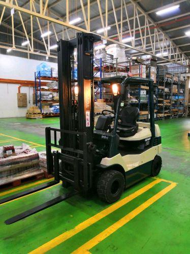 2.5 Toyota Battery Forklift - Full Recon