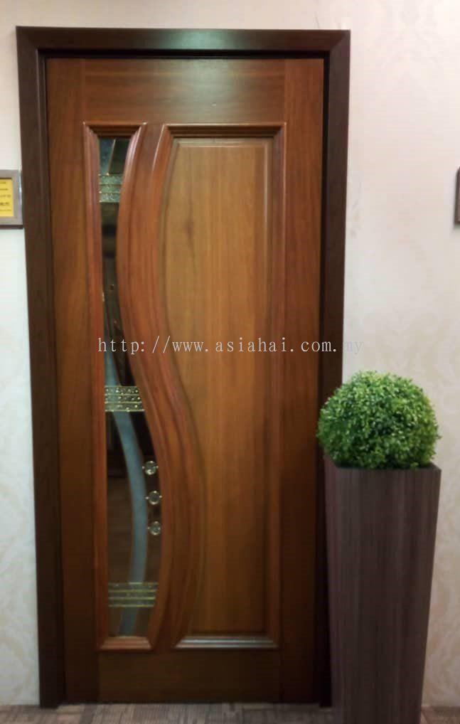 SOLID DECORATIVE DOOR