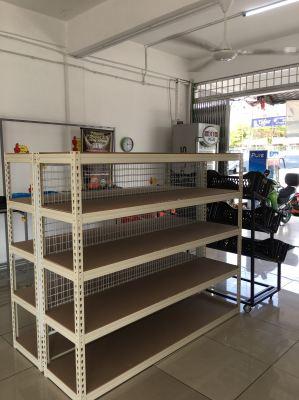 customers mini market