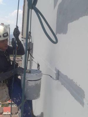 External wall crack seepage repair with Spiderman work