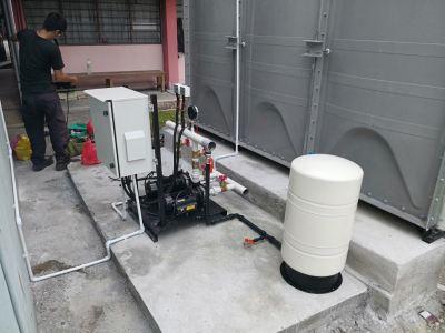 Water tank installation Sekolah Jenis Kebangsaan (C) Yuk Chyun PJ