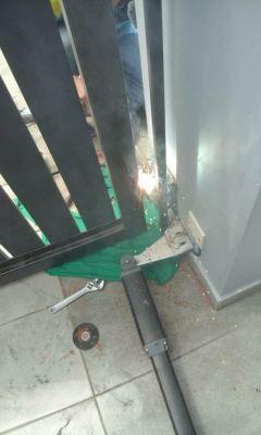 REPAIR OPEN GATE