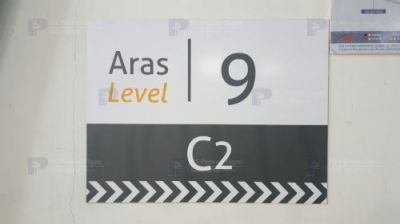 Direction-Sign-3