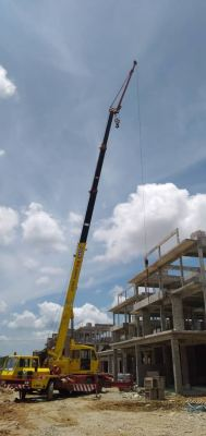 Performing Lifting Services (40Ton Crane)