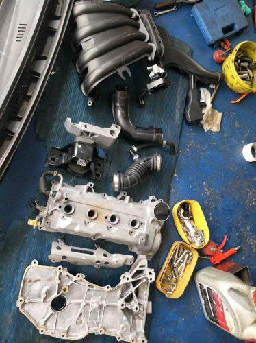 N/S GRAND LIVINA 1.6 ~ Replace valve seal, v/cover gasket, Battery, Engine Mounting