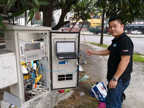 Dahua Network Switches and IP camera installed at traffic light link to DBKL
