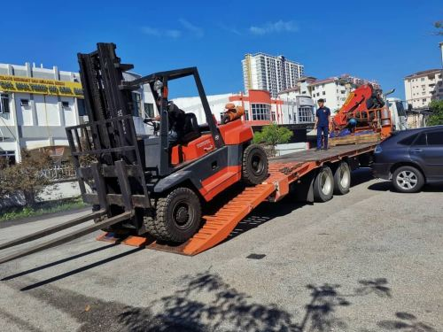 Delivery of 6 Ton Forklift