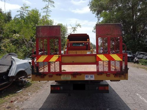 Towing Lorry