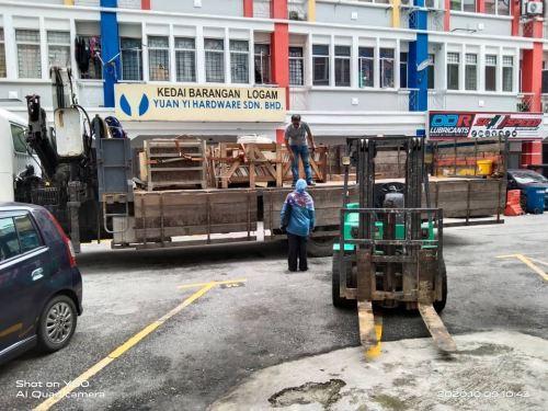 Mitsubishi Diesel Forklift Rental at Batu Caves, Selangor Malaysia