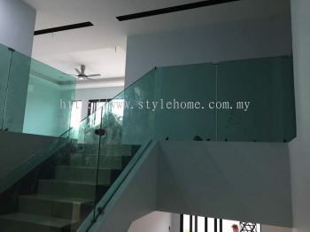 staircase tempered glass and balcony glass work