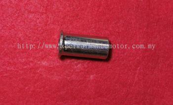 FZ150 REAR WHEEL COLLAR RH SIDE B435(TMXACE)