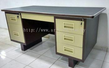 103A 5ft desk