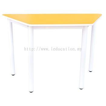 Q020H Trapezoid Table (H:76cm)