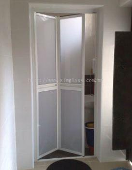 Taman Johor Jaya Bi-fold door - Door from SIM GLASS & ALUMINIUM SDN BHD