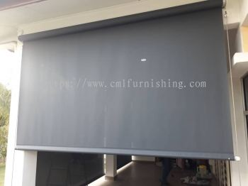 courtyard-outdoor-roller-blinds 1