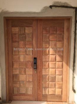 NYATOH WOOD DOOR