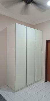Wardrobe 010