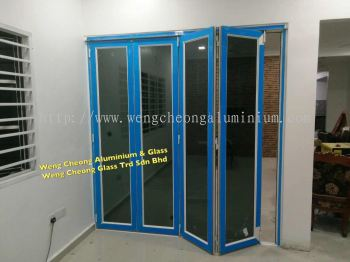 Folding Door With Laminated Glass