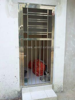 Stainless Steel Single door 017