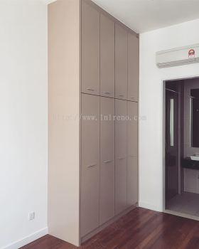 Custom made Wardrobe with Plywood laminate door + Melamine Abs carcass
