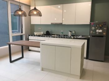 Kitchen cabinet design with solid top and quartz top