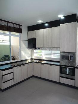 Aluminium Kitchen Cabinet With Aluminium Woodgrain Door
