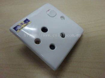 SUM 15AMP SWITCH SOCKET (W/SIRIM) (10 PCS/BOX)