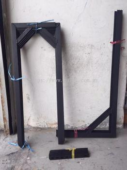 APARTMENT AIR-COND BRACKET (BLACK) C/W SHORT IRON 4PCS & NUTS 6PCS