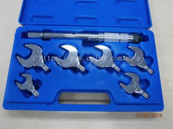 P&M 633A Complete Torque Wrench Kit in a handy case