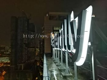 aluminium 3d box up LED (backlit) @ rooftop building