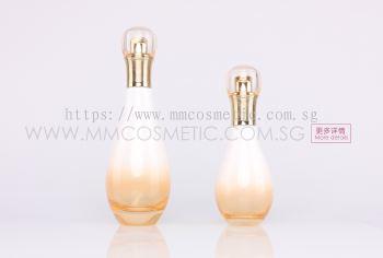 (C) Dior Class Bottle Pump