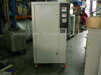 Three Phase Automatic Voltage Stabilizer (AVS)