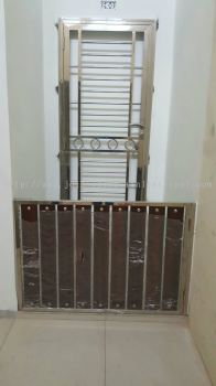 Apartment Small Gate