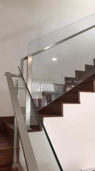 Glass staircase 64