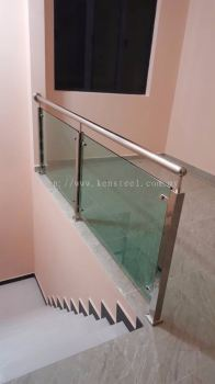 Glass staircase 66