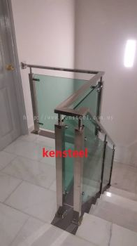 Stainless Steel Glass Staircase 70